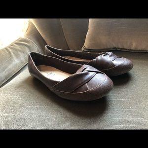 Never been worn airwalk leather flats
